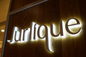 Jurlique: alt hvad du har brug for at vide om luksusmærket