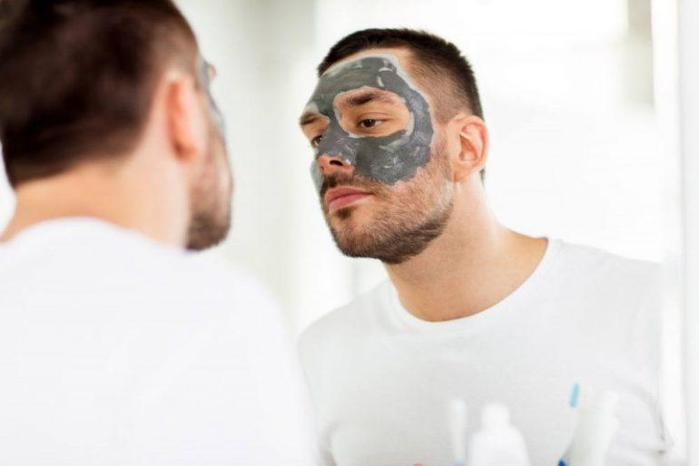 Hjemmelavede ansigtsmasker med få ingredienser - sådan gør du