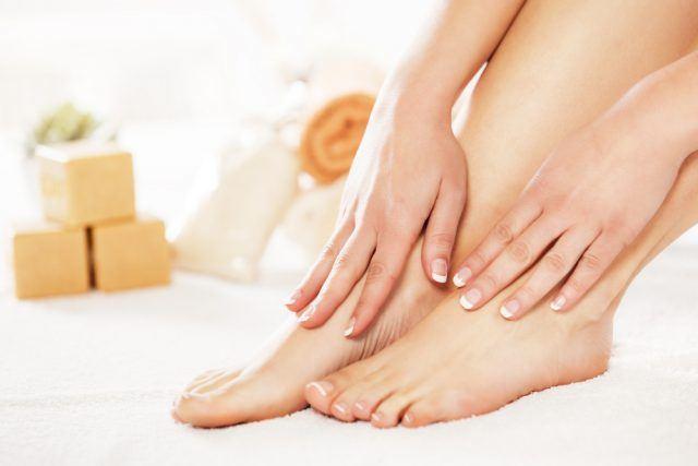 Forkæl dine fødder med en skøn hjemme pedicure - sådan gør du