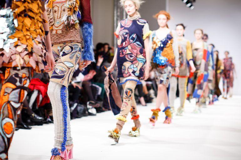 Kan modetøj samles ét sted?