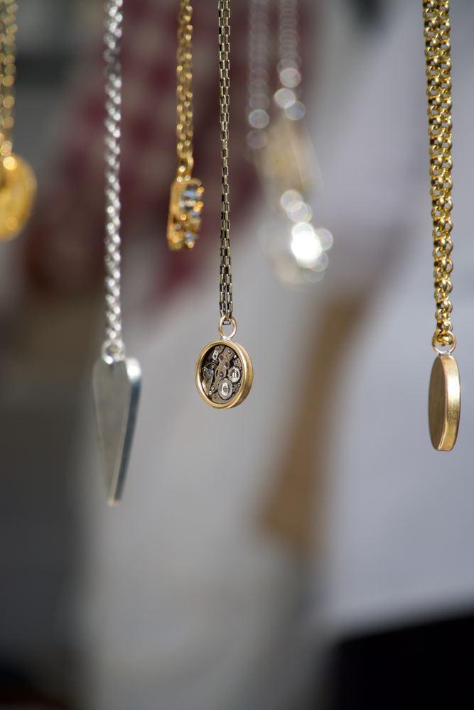 Sådan vælger du dine yndlings smykker